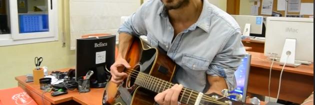 Pol canta en directo